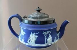 Уфимцы могут посетить мир антикварной посуды