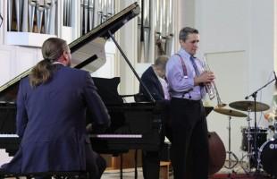 В Уфе состоялся уникальный джаз концерт Этно-джаз бэнда «Орлан»