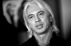 Билдәле йырсы Дмитрий Хворостовский яҡты донъя менән хушлашты