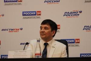В Уфе заслуженный деятель искусств РБ Урал Рашитов рассказал о предстоящем большом концерте