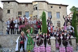 Фольклорный ансамбль «Мирас» с успехом выступает в городах Франции