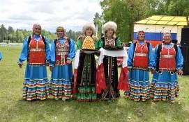 Башҡорт дәүләт филармонияһы сәхнәһендә Бөрйәндәр сығыш яһай