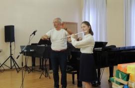 В Уфе прошла творческая встреча с известным швейцарским флейтистом Кристианом Деляфонтеном