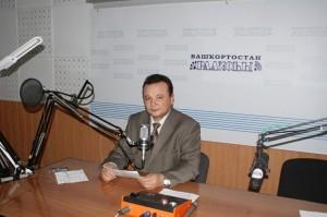 В Уфе ушел из жизни известный диктор башкирского радио Ахат Муртазин