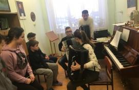 В Салавате воспитанники детского дома посетили музыкальный колледж