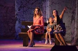 Ансамбль «Сарби» («Солнечные девушки») выступил с программой «Самое прекрасное в жизни – семья»